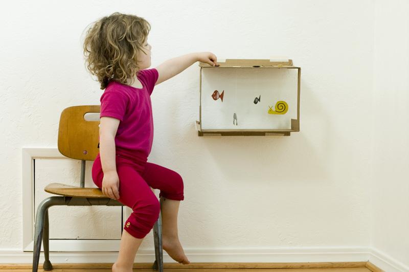 Made By Joel Box Aquarium 5 DIY: Tutorial Mainan Edukasi dari Kardus Bekas Untuk Si Kecil