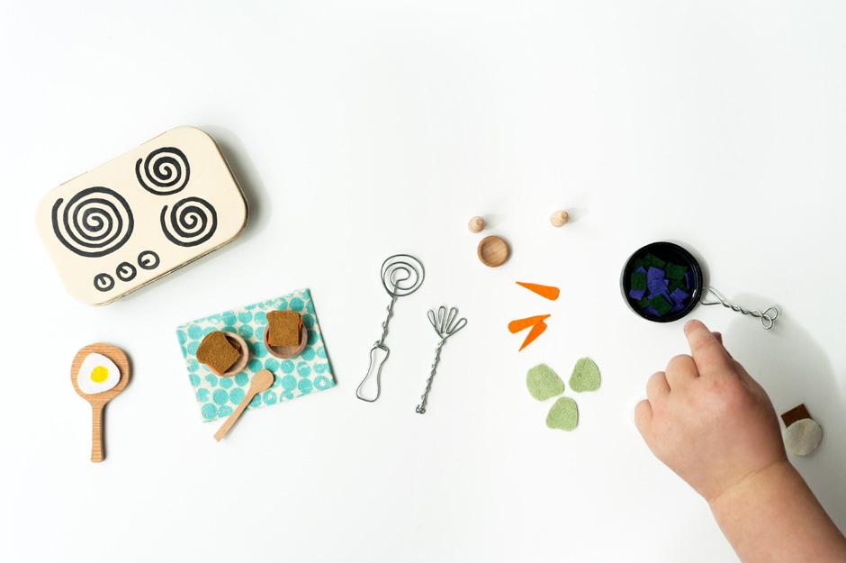 madejoel » miniature kitchen set