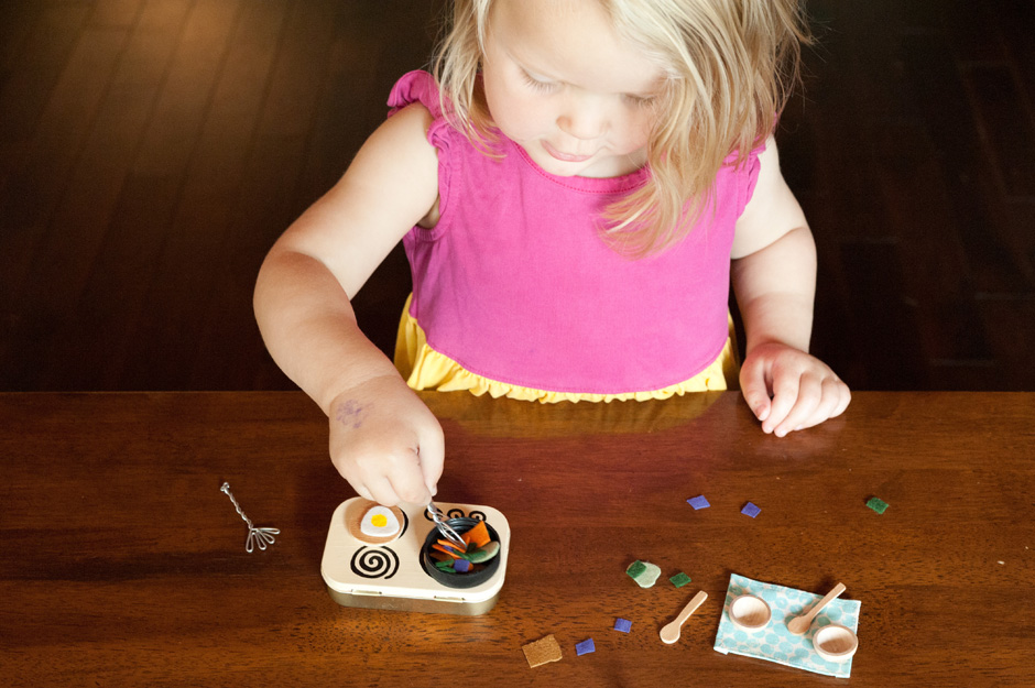 Made by joel miniature kitchen set for Mini kitchen set for kids